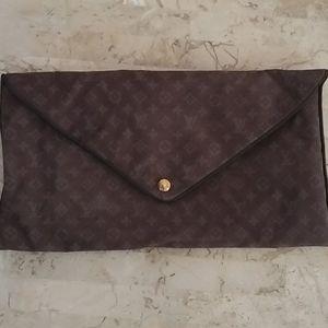 Authentic Louis Vuitton Unisex Pouch/Cosmetic Bag